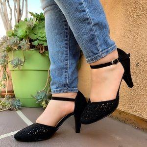 New cute black low heel